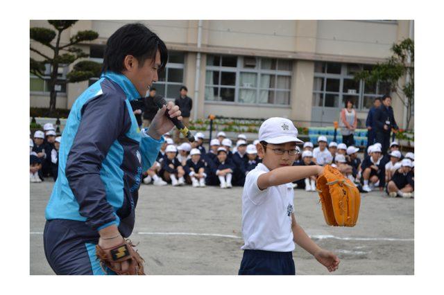 画像: チャリティ・キッズ・ベースボールスクール2014