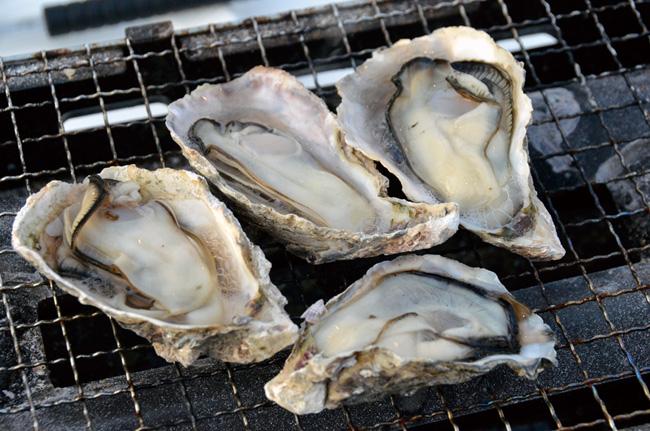 画像: 「焼き牡蠣」一盛り1500円(税込み)