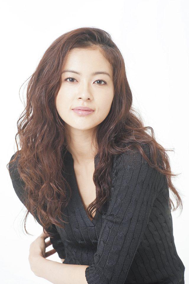 画像: 黒谷友香:女優。1975年生まれ。映画『イン・ザ・ヒーロー』ブルーレイ&DVDが発売中。 www.tokyoheadline.com