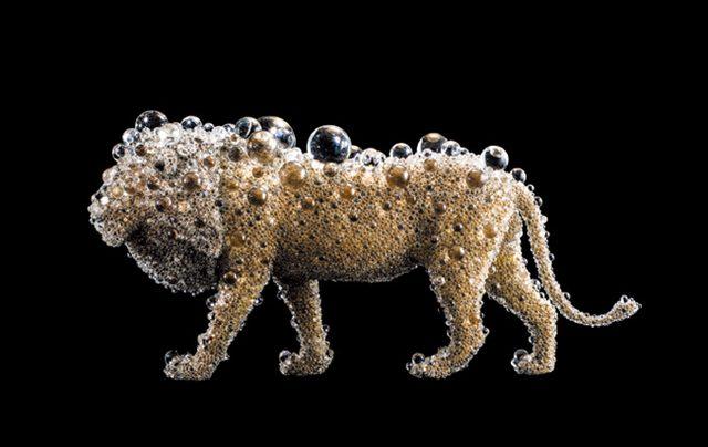 画像: 名和晃平『PixCell-Lion』2015 Photo: 表恒匡 SANDWICH http://www.tokyoheadline.com/vol640/culture.16931.php