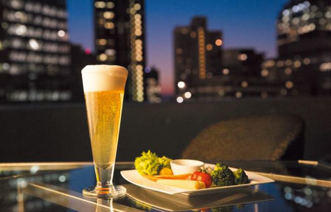 画像: 【新宿】新宿の夜景きらめく天空のビアガーデン