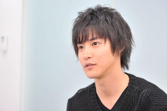 画像: 撮影・蔦野裕 ヘアメイク・鬼頭 保 スタイリスト・牛田 元