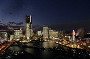 画像: TOWERS Milight 2015~ みなとみらい21 オフィス全館ライトアップ 冬の横浜 クリスマス・年末年始特集