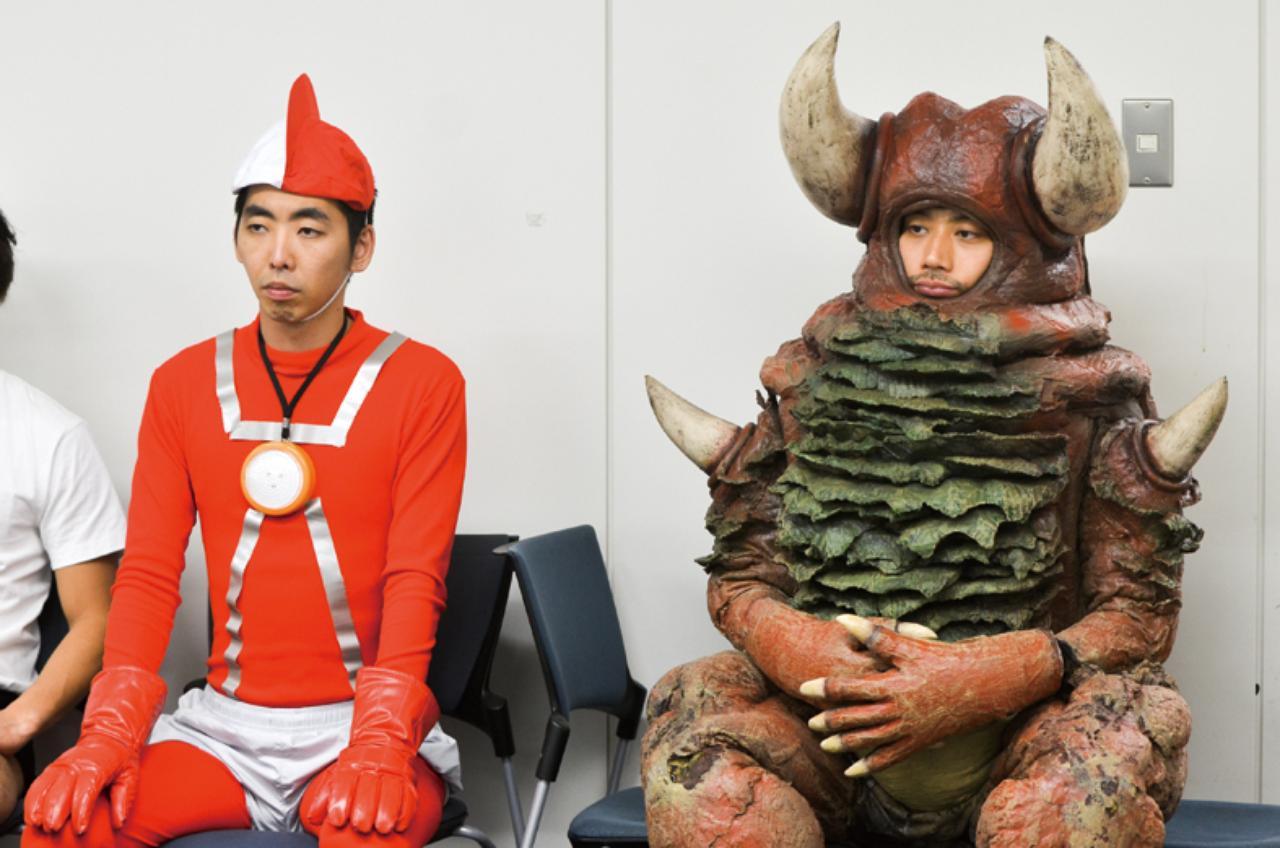 画像: POSITIVE ITEM 『初恋芸人』で演じた謎すぎるキャラ、怪獣ガ