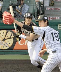 画像: 大谷翔平(左)と藤浪晋太郎。今後、本物の「スター」となる成績を残せるか。