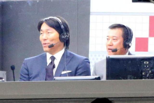 画像: 開幕戦の解説を務めた松井秀喜氏(左)と原辰徳氏。さらに江川卓氏という豪華な解説陣であった。