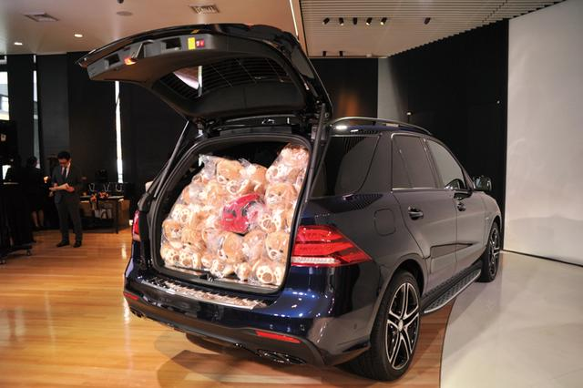 画像: 高い動力性能、デザイン、装備のトータルバランスが非常に優れた万能系SUV・メルセデスAMG GLE 43 4MATIC。ラゲッジスペースも大きく、ぬいぐるみ43個もラクラク!(メーカー希望小売価格1150万円〜税込み)