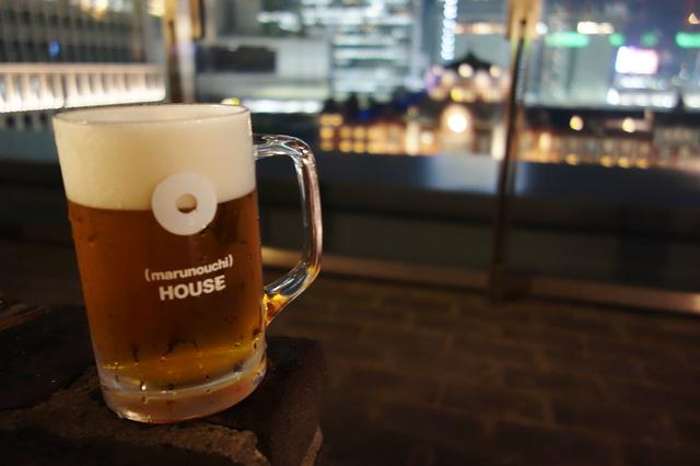 画像: 東京駅を臨む開放的かつ贅沢な空間。ライトアップされる東京駅舎を楽しめる夜もおすすめ