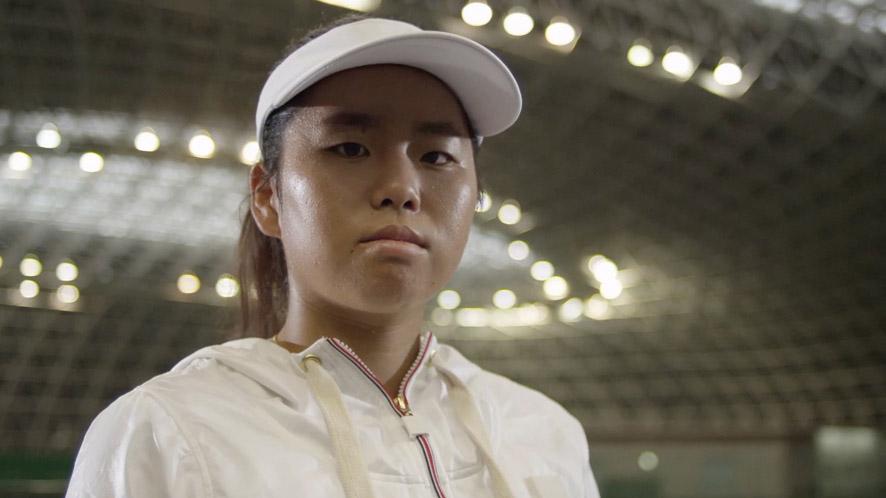 画像: 上地結衣(かみじ ゆい) 【クラス】女子シングルス、女子ダブルス【障がい】両下肢麻痺(二分脊椎) 【成績】2012ロンドンパラリンピック シングルス、ダブルスともに8位入賞、2014年日本人女子初のダブルス年間グランドスラム達成
