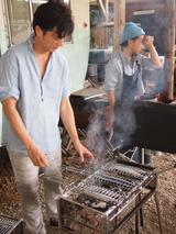 画像: 畑作業のご褒美はサンマの炭火焼き