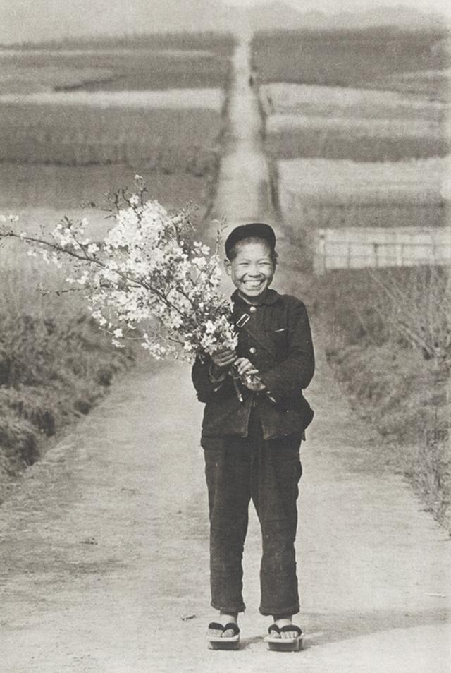 画像: 植田正治「童暦」より 1955-70年/東京工芸大学 写大ギャラリー所蔵