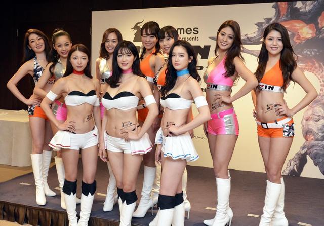 画像: RIZINガール新メンバー(後列6人)のお披露目も