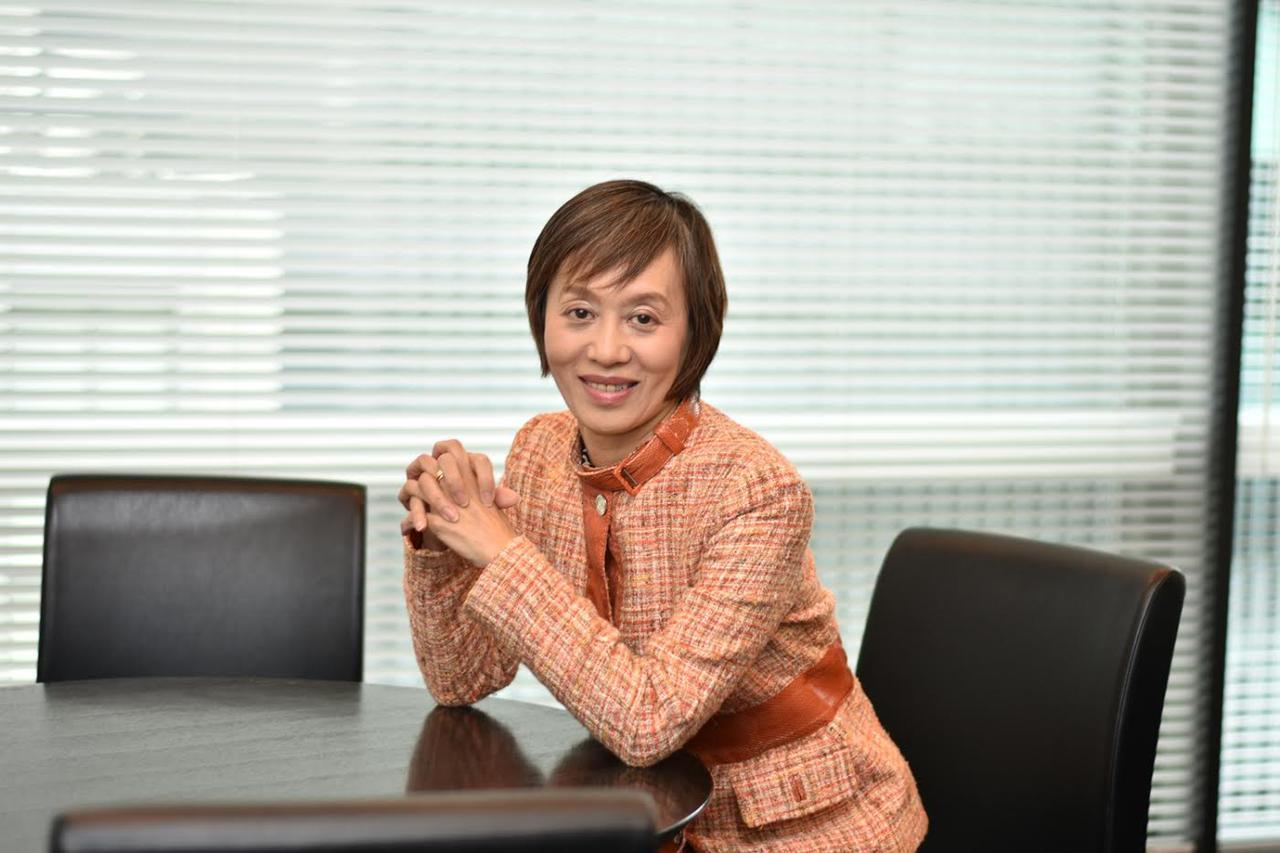 画像: 株式会社コーセー 取締役 荒金久美氏