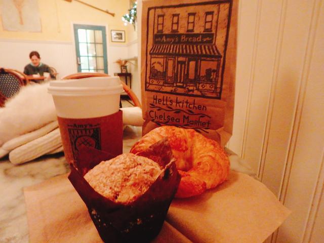 画像5: 一木美里です。 先日、トランプ氏が大統領就任することで話題のアメリカ、 ニューヨークへ行ってきました。 トランプタワー一帯は厳戒態勢で警備されていました。 今週はそんなニューヨークの小さなかわいいパン屋さんを紹介します。