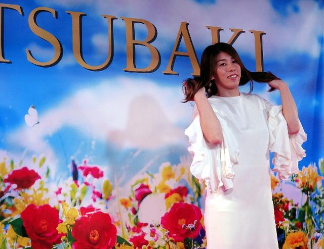 画像: 吉田沙保里が髪なびかせウオーク「意識高くいきたい」