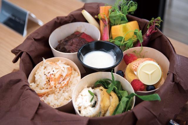 画像: 毎週月曜日のランチタイムに提供される厳選した希少食材のみを使用した限定5食の「BEAUTY NAVIGATION SPECIAL LAUNCH BOX」(1万円)