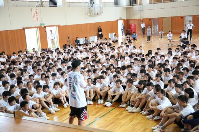 画像4: 三代目JSB 山下健二郎が母校で『夢の課外授業』 「今日の授業が何かのきっかけになれば嬉しい」
