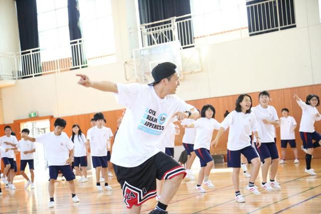 画像1: 【夢の課外授業アーカイブ】 山下健二郎(三代目 J Soul Brothers )が母校で夢のダンス授業