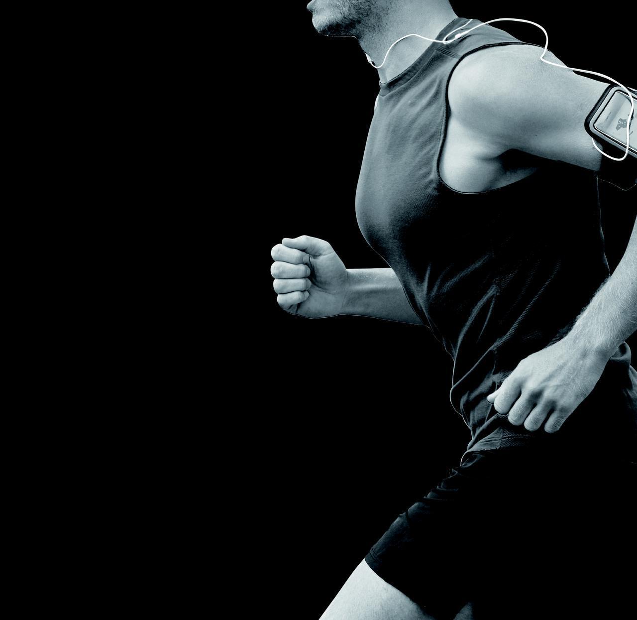 画像: 男性の乳首をスケスケとスレスレから守る新アイテム