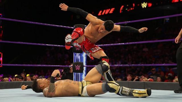 画像: ヒデオ・イタミと戸澤陽が明暗分ける【WWE 205 Live】
