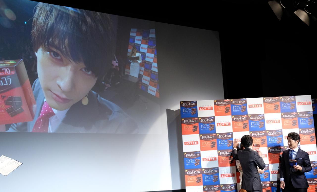 画像: 吉沢亮と安田顕がアプローチ対決「僕のほうがたっぷり」