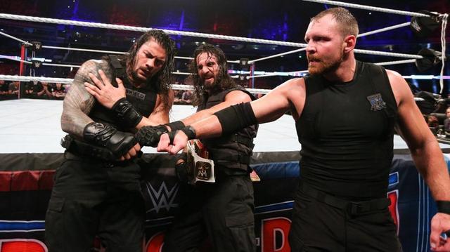 画像: シールドが固い絆でストローマン軍を撃破【10・6 WWE】