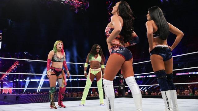 画像: アスカ&ナオミがアイコニックスにまさかの逆転負け【10・6 WWE】