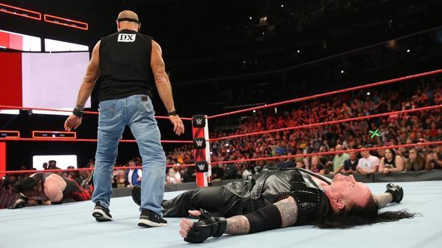 画像: アンダーテイカー「地獄行き」宣告もマイケルズの奇襲攻撃に沈む【10・29 WWE】