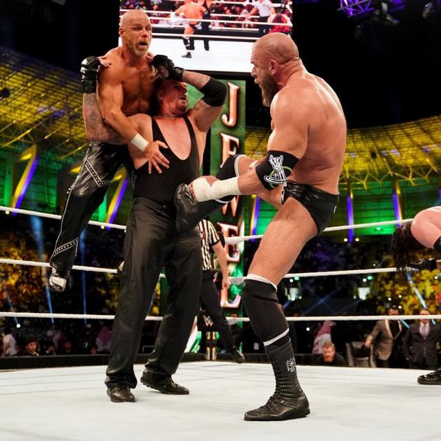 画像: ショーン・マイケルズ復活!DXが破壊兄弟破る【11・2 WWE】