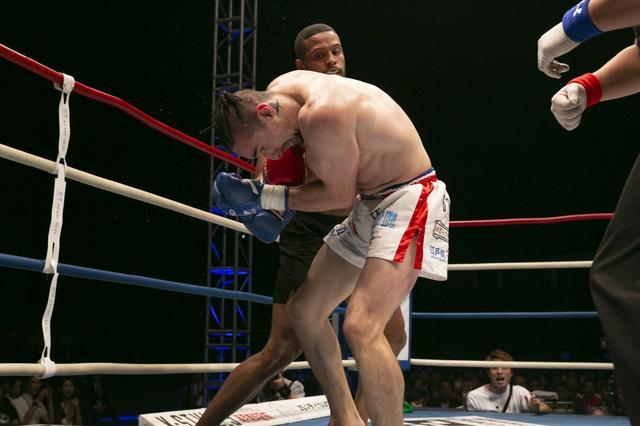 画像: ピケオーが木村から4度のダウンを奪い圧勝。Krushに続きK-1のベルト取りに意欲【11・3 K-1】