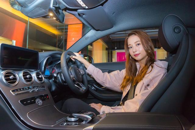 画像: Niki、新型Cクラスで六本木ドライブ!
