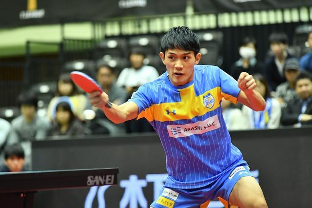 画像: 延長戦で吉村が張本破る。東京の連勝は6でストップ【Tリーグ 東京vs岡山】