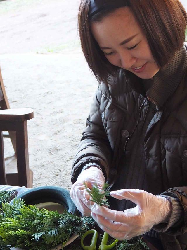 画像2: 恒例のクリスマスリース作りと燻製料理に舌鼓 Farming Event Report【2018.11.25】