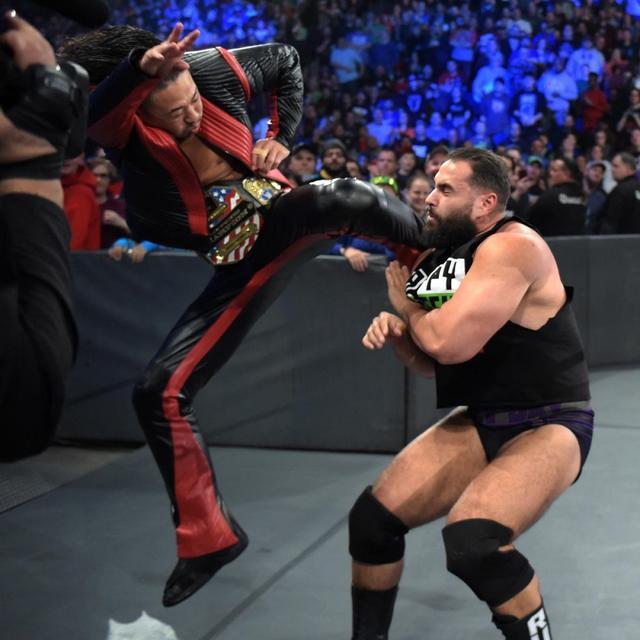 画像: 中邑が試合前に凶行。キンシャサ3発でルセフをKO【11・27 WWE】