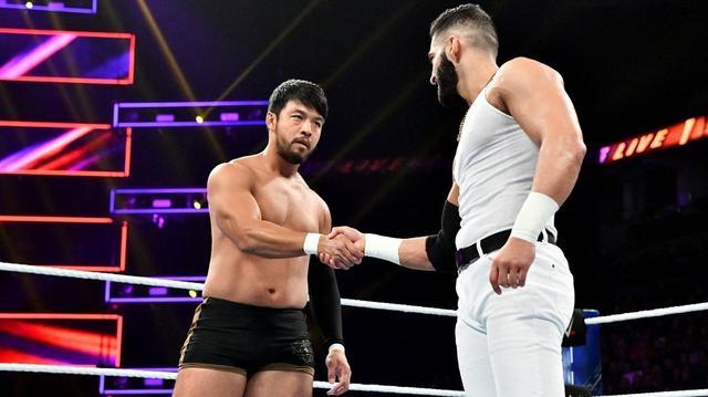 画像: ヒデオ・イタミがデバリと握手。新たなパートナー誕生か?【11・29 WWE】