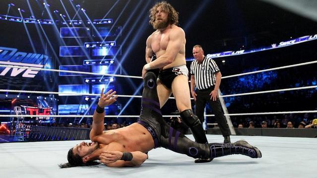 画像: ブライアンが変貌ぶりを指摘したアリをなぶり殺し【12・11 WWE】