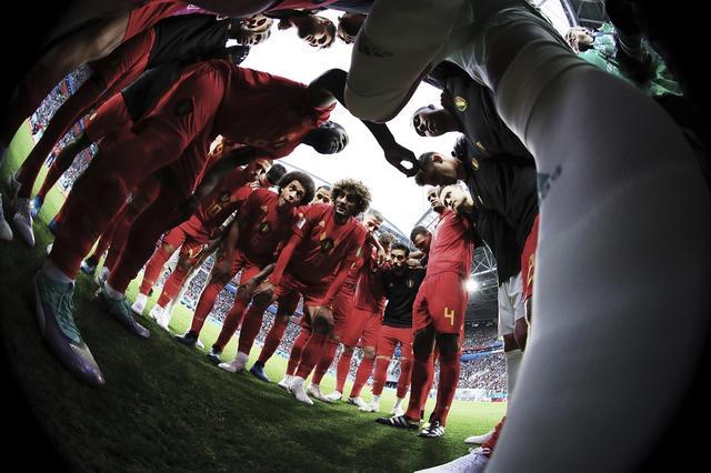 画像: 「スポーツカメラマンが選ぶ今年の1枚」サッカーW杯準決勝ベルギーの円陣