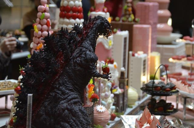 画像: ゴジラ、初上陸の地・品川でイチゴスイーツに食らいつく!?/1月16日(火)の東京イベント