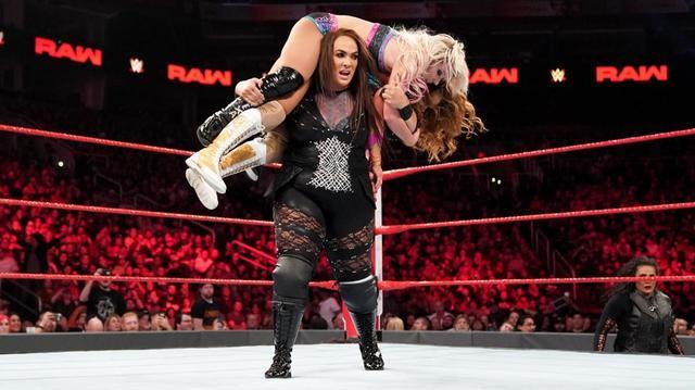 画像: ナイア&タミーナ、ライオット・スクワッドが女子タッグチーム王座戦出場決定【1・28 WWE】