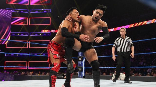画像: ヒデオ・イタミが戸澤に敗戦。そしてデバリにも裏切られる【1・29 WWE】
