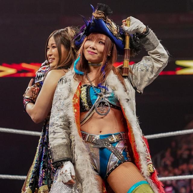 画像: カイリ&イオが因縁のMMAフォー・ホースウィメンに完勝【1・31 WWE】