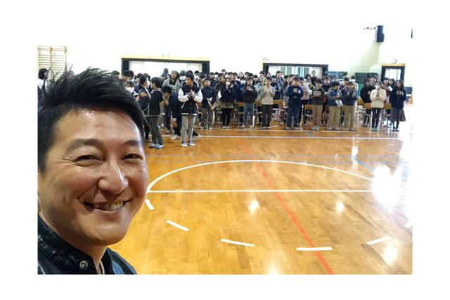 画像: 堀潤先生を迎えて、夢の課外授業を実施。