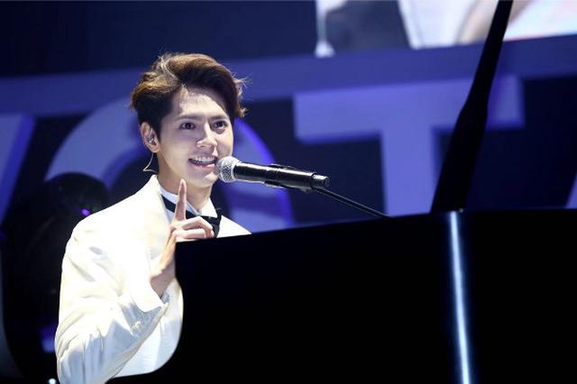 画像: 片寄涼太が上海でファンミーティング! プレゼンやピアノ弾き語りに2000人がクギづけ