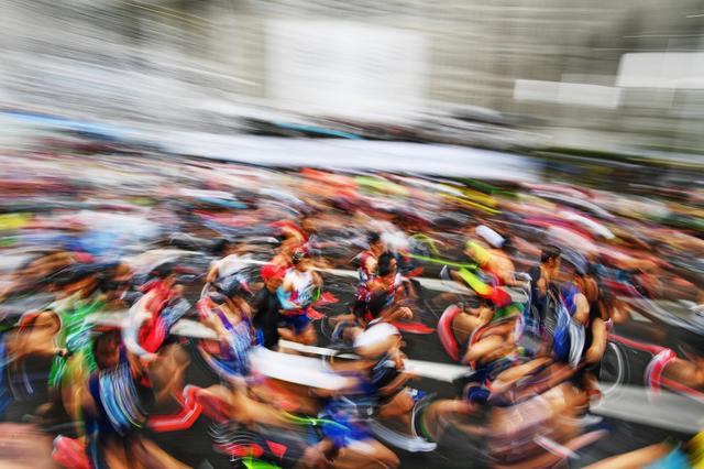 画像: 東京マラソン「渦巻くスタート」【アフロスポーツ プロの瞬撮】
