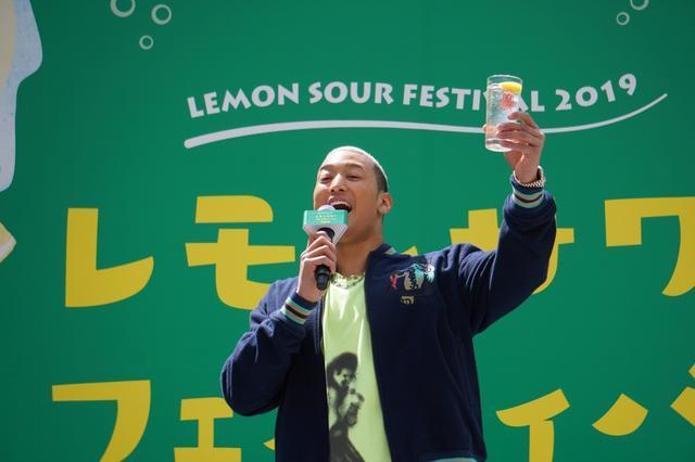 """画像: レモンサワー消費量はグループ一! 関口メンディーがメンバーとの""""レサワ""""エピソードを披露"""