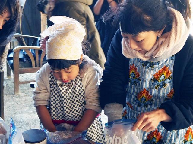 画像: もはや恒例行事「味噌作り」体験と麹料理フルコースで大満足