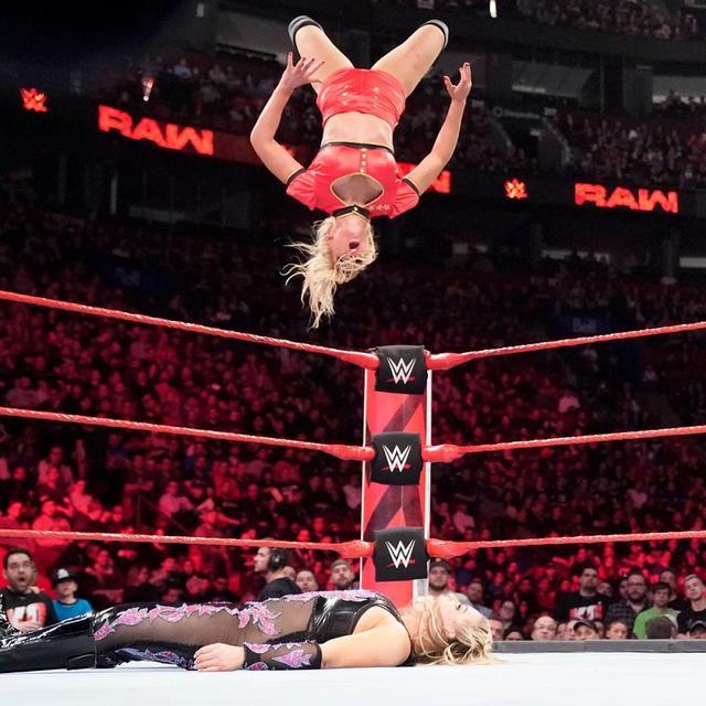 画像: ベッキーをつけ狙うレイシーがロウ女子王座挑戦権を獲得【4・15 WWE】
