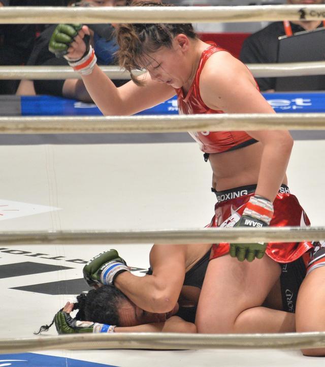 画像: 復帰戦で判定勝利のRENA「試合前なのに泣きそうになった」【4・21 RIZIN】