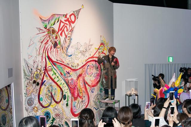 画像: 香取慎吾、初個展来場者10万人突破に「信じられない」