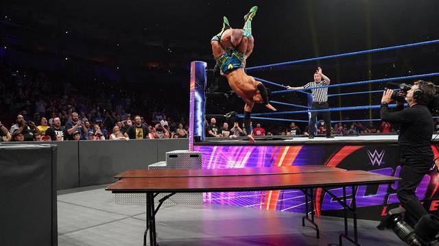 画像: 戸澤陽が因縁のケネリスにノーDQ戦で完勝【5・7 WWE】